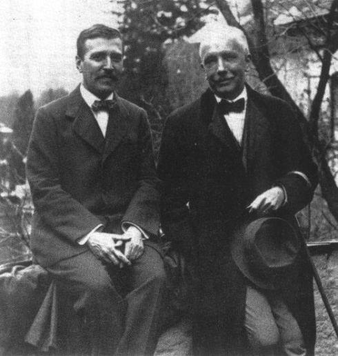 Hugo von Hoffmannsthal (el libretista de cabecera de Richard Strauss) a la izquierda y el compositor (der.)