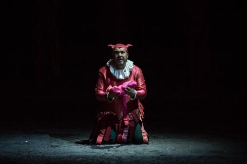 Rigoletto_Luca Salsi nel ruolo del titolo ® Yasuko Kageyama-Opera di Roma 2016-17_7263 WEB_0